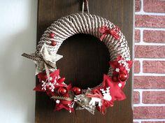 www.pletenizpapiru2cz.estranky.cz - Pletení 4th Of July Wreath, Projects To Try, Wreaths, Christmas, Home Decor, Xmas, Corona, Door Wreaths, Weihnachten