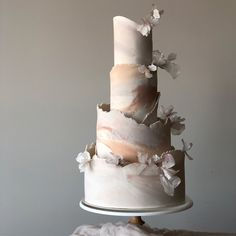 Major Moves: 12 Gorgeous Wedding Cakes with Movement - Green Wedding Shoes Blush Wedding Cakes, Big Wedding Cakes, Creative Wedding Cakes, Fondant Wedding Cakes, Elegant Wedding Cakes, Elegant Cakes, Beautiful Wedding Cakes, Gorgeous Cakes, Wedding Cake Designs