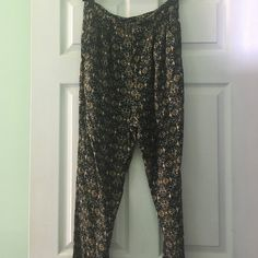Forever 21 print pants Forever 21 high waist print loose pants, size large Forever 21 Pants Trousers