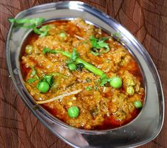 Soya Keema matar is a healthy and delicious vegetarian keema dish made with soya chunks or soya granules with green peas and some Indian traditional spices. Easy to make delicious but healthy soya keema matar that can be enjoyed at lunch or dinner. #soykeemamatar #vegkeemamatar #soykeema #matarsoykeema Delicious Recipes, Vegetarian Recipes, Yummy Food, Green Peas, Curry, Spices, Lunch, Indian, Dishes