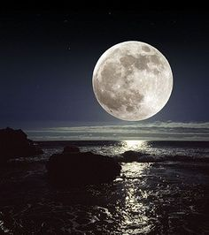 Full moon - A STUNNING PHOTO.