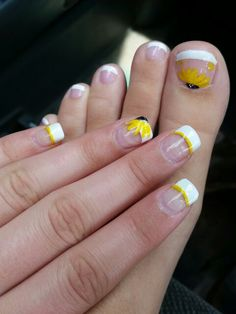 sunflower nails in 2019