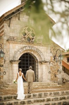 Everything you need to know about planning a destination wedding in the Dominican Republic.