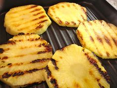 grilled pineapple - great addition to summer salads Try this on a george foreman grill George Foreman Grill, George Foreman Recipes, Healthy Family Meals, Healthy Cooking, Ww Recipes, Crockpot Recipes, Taquitos Al Pastor, Beach Meals, Summer Salads