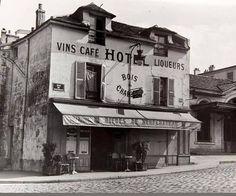 26 vintage Photos of Paris Old Paris, Vintage Paris, French Vintage, Paris Rue, Old Street, Paris Street, Photo Vintage, Vintage Photos, Old Pictures