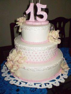 Bolos de aniversario decorados para adolescentes ótimos, lindos e deliciosos que deixarão suas festas mas bonitas com um bolo combinando com a sua decoração. Confira: http://www.bolodeaniversariofesta.com.br/