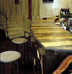bancone bar particolare decorazione rilievo stucco