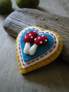 toadstool brooch. I LOVE MUSHROOMS!! So cute! Wish I could crotchet