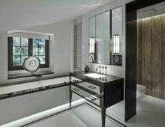 Salle de bains design chic en noir et blanc