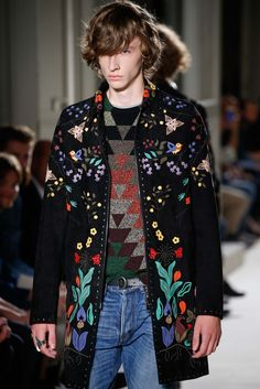 See detail photos for Valentino Spring 2016 Menswear collection.