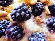 Tvarohový kuskus s medom, limetkou a černicami Eating Light, Clean Eating, Something Sweet, Cravings, Ale, Oatmeal, Treats, Snacks, Fruit