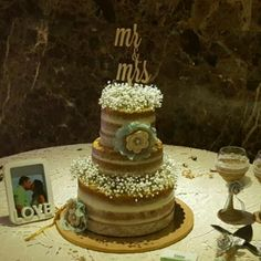 Our Mr and Mrs cake topper done in a cursive font.. Convo us for your custom cake topper..