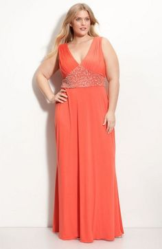Bildergebnis für Kleider für dicke kleine Frauen   Kleider ...