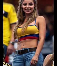 22 Of The Hottest Ever Female Football Fans From Around The World Hot Football Fans, Football Girls, Soccer Fans, Hot Bikini, Bikini Girls, Fifa, Bikini Azul, Hot Fan, Names Girl