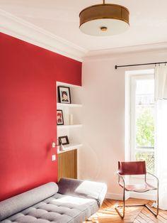 Akzent Mit Roter Wand Und Grauem Divan Www.meinwand.de #französisch