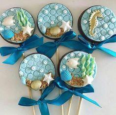 Artisan Ocean Sweets Fondant Cookies, Cupcake Cakes, Paletas Chocolate, Sea Cakes, Little Mermaid Parties, Summer Cookies, Mermaid Cakes, Chocolate Covered Oreos, Fondant Figures