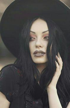 Witch Fashion, Dark Fashion, Gothic Fashion, Goth Beauty, Dark Beauty, Kina Shen, Darya Goncharova, Gothic Chic, Female Vampire