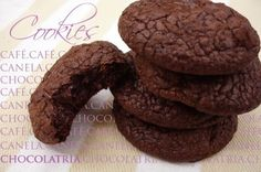 Cookies de Café ,Canela e Chocolate Meio Amargo — Chocolatria (opção: com laranja cristalizada: http://www.chocolatria.com/2012/05/cookie-de-cafe-e-laranja-livro.html)