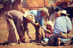 Texas Cowboys - First Time Flanking - Learning from the Best - Ranch Girls - Tongue River Ranch