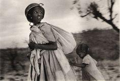 Scouting for airplanes_Ethiopia by Sebastiao Salgado Social Photography, Urban Photography, Color Photography, Alice Walker, Edward Weston, Nan Goldin, Henri Cartier Bresson, Vivian Maier, Susan Sontag