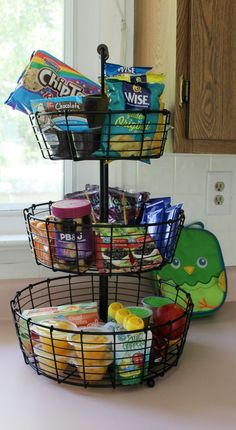 30 Brilliant DIY Back-to-School Organization Ideas You'll LoveGetting the kids prepared for school will be a breeze this year with these awesome DIY back-to-school organization ideas. From organizing snacks to ho. Breakfast Station, Snack Station, Snack Bar, School Lunch Organization, Organization Ideas, Kitchen Organization, Freezer Organization, Organizing Life, Bedroom Organization