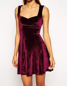 Shop Wine Red Sleeveless Pleated Dress online. Sheinside offers Wine Red Sleeveless Pleated Dress & more to fit your fashionable needs. Free Shipping Worldwide!
