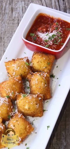 Meatball Stuffed Fried Ravioli - A fun short cut to making this awesome appetizer that the kids love at the Italian restaurants. Step-by-step photos to making fresh homemade pasta. and happy kiddos! Finger Food Appetizers, Best Appetizers, Appetizer Recipes, Dinner Recipes, Yummy Recipes, Tapas, I Love Food, Good Food, Yummy Food