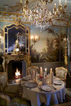 Restaurant Turandot - Moscou. Beautiful chandelier via i-lustres.com