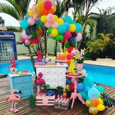 Festa Flamingo: 90 fotos + tutoriais para uma comemoração incrível Flamingo Party, Flamingo Birthday, Barbie Party Decorations, Girl Birthday Decorations, Kids Luau Parties, Luau Party, 23rd Birthday, Party Scene, Glitter Party
