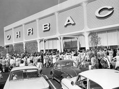 A photo of the Ohrbach's Grand Opening in Panorama City The square foot building was the third Ohrbach's store to open in California. Panorama City, San Fernando Valley, Southern California, Burbank California, California History, Valley Girls, Los Angeles Area, San Luis Obispo, City Streets