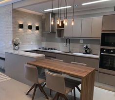 32 + The Inspiring Kitchen Cabinet Colors And Ideas Stories 96 - onlyhomely Modern Kitchen Interiors, Luxury Kitchen Design, Kitchen Room Design, Kitchen Cabinet Colors, Kitchen Layout, Home Decor Kitchen, Interior Design Kitchen, Kitchen Living, Kitchen Bars
