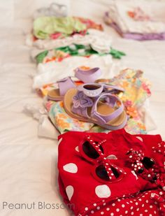 Heading on vacation this summer? Check out these great packing tips for families with small kids. Great suggestions for how to organize all the little pieces of their wardrobe to save time from hunting down missing things in your bag!