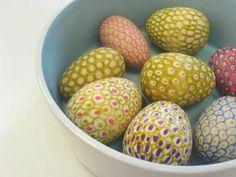 Lille Lykke: Eieren versieren voor Pasen (gewoon met viltstift)eerst ontvetten