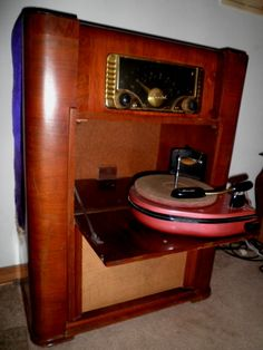 Antique 1940's Zenith Stereo - OMG I've never seen one of these