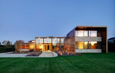 Modern Hamptons: Sam's Creek by Bates Masi Architects