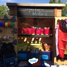 This amazing outdoor superhero writing area is sure t… - Modern Outdoor Learning Spaces, Outdoor Activities For Kids, Home Learning, Writing Station, Writing Area, Writing Table, Eyfs Outdoor Area, Outdoor Play Areas, Eyfs Classroom