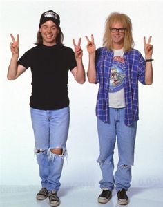 These particular Halloween costume options are just about all you need to accomplish the ultimate last-minute fancy dress costume. Party on Wayne. Party on Garth. Costume Halloween, Couples Halloween, 90s Costume, Theme Halloween, Diy Costumes, Halloween Diy, Costume Ideas, Party Costumes, Halloween 2020