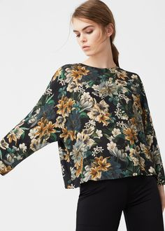 Discover the latest trends in Mango fashion, footwear and accessories. Funky Fashion, Floral Fashion, High Fashion, Kreative Portraits, Textile Pattern Design, Mango France, Cool Outfits, Fashion Outfits, Outfits