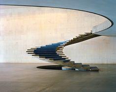 Les plus beaux escaliers dans le monde : L'escalier d'Oscar Niemeyer au palais Itamaraty à Brasilia