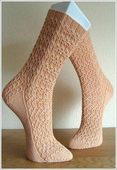 Ravelry: Osier Sock pattern by Stefanina Crochet Socks, Knitted Slippers, Knitting Socks, Knit Crochet, Knit Socks, Sock Leggings, Bed Socks, Fibre And Fabric, Knitting Patterns Free