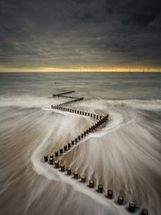 Starling vortex wins £10,000 Landscape Photographer of the Year prize: Digital Photography Review