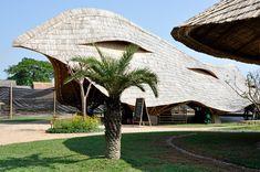 24H-architectureがタイでデザインした竹の学校その2。