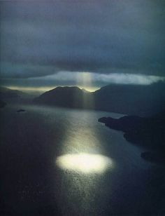amazing capture of water, clouds, and sunlight. #EIKNARF #tumblr