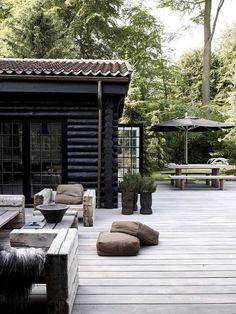 String Lights Outdoor Porch - New ideas Design Exterior, Rustic Exterior, Interior Exterior, Patio Design, Garden Design, Black Exterior, Landscape Design, Contemporary Landscape, Modern Deck
