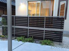 愛知県刈谷市のLIXIL リクシル(新日軽)のフェンス・柵 セレビューフェンスRP3型 太横パネル 多段柱施工 施工例