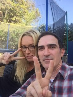 8 mins to love tweeting at my house with the divine @PFischler Join us?!? #cruella @OnceABC