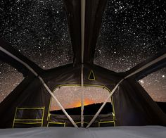 Enjoy a star-filled sky next time you go camping by outfitting your ride with this extreme series roof top tent. This easy-to-pitch tent features overhead skylights so you can see the starry sky, and it also comes with a vehicle access door for easy entrance.