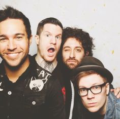 How big of a FOB fan are you? Take this quiz to find out!