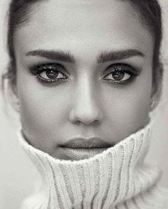 Perfect Jessica Alba #sweater #style #stylish