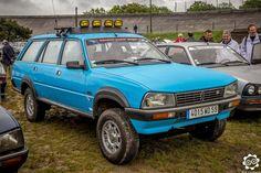 #Peugeot #504 #Dangel à #Montlhéry pour le CILM3. Photo de Julien. Article original : http://newsdanciennes.com/2015/05/02/grand-format-news-danciennes-au-cilm3/ Issu de l'article : CILM3 | News d'Anciennes #ClassicCar #Voiture #Ancienne